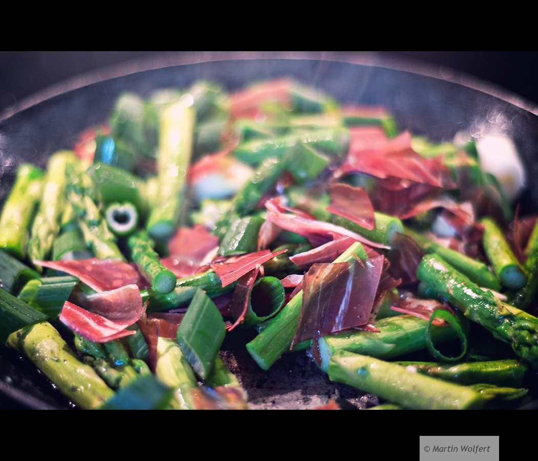 Green asparagus with bacon #214